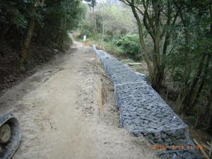 登山道の修復